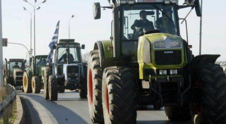 Αγρότες από το μπλόκο της Νίκαιας κατευθύνονται στα Τέμπη
