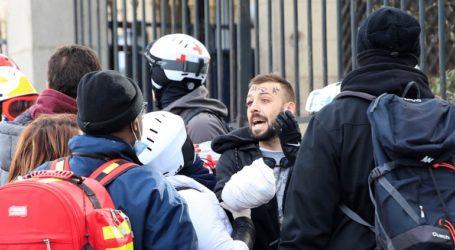 Διαδηλωτής έχασε το χέρι του από χειροβομβίδα στο Παρίσι