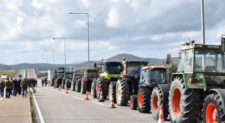 Κλειστός ο αυτοκινητόδρομος της Ιονίας Οδού, στον κόμβο Μπάγιας, από αγρότες