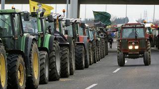 Αμετακίνητοι στα μπλόκα τους αγρότες και κτηνοτρόφοι σε Κεντρική και Δυτική Μακεδονία