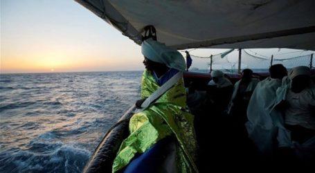 Σκάφος με 150 μετανάστες πλέει ακυβέρνητο στα ανοικτά της Λιβύης