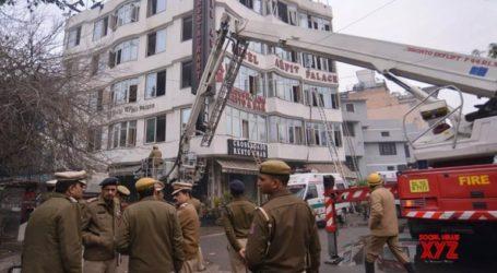 Τουλάχιστον εννέα νεκροί από πυρκαγιά σε ξενοδοχείο στο Νέο Δελχί