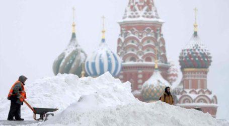 Χιονόπτωση-ρεκόρ στη Μόσχα – Ματαιώθηκαν δεκάδες πτήσεις