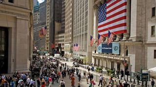 Μικρή άνοδο δείχνουν τα futures της Wall Street