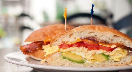 Βουλευτής παραιτήθηκε επειδή έκλεψε ένα σάντουιτς