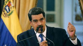 Ο Μαδούρο εξετάζει μια στρατιωτική ανάπτυξη στα σύνορα με την Κολομβία