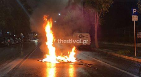 Επίθεση με μολότοφ κατά αστυνομικών στη Χαριλάου
