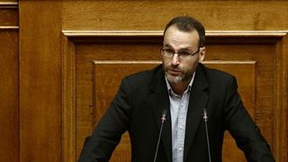 «ΣΥΡΙΖΑ και ΝΔ προβάλλουν κάλπικα δίπολα για να εγκλωβίσουν τη λαϊκή δυσαρέσκεια»