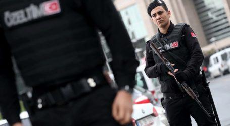 Σχεδόν 950 άνθρωποι υπό κράτηση σε διάστημα μίας εβδομάδας για διασυνδέσεις με τον Φετουλάχ Γκιουλέν