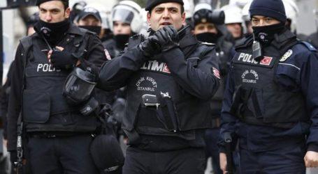 Περισσότερα από 300 νέα εντάλματα σύλληψης υπόπτων για σχέσεις με το δίκτυο Γκιουλέν