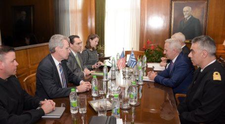 Συνάντηση ΥΕΘΑ Ε. Αποστολάκη με μέλη της Επιτροπής Διεθνών Σχέσεων της Γερουσίας των ΗΠΑ