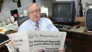 Διευθυντής εφημερίδας ζητεί από την Κου Κλουξ Κλαν να λιντσάρει τους Δημοκρατικούς