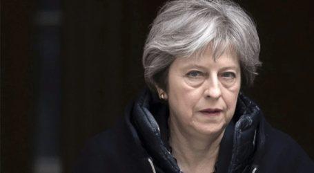 «Θλίψη» για την αποχώρηση των τριών βουλευτών εκφράζει η Μέι