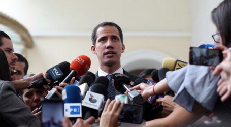 Ο Γκουαϊδό θα αναχωρήσει σήμερα για τα σύνορα με την Κολομβία