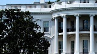 Ο Λευκός Οίκος συζητάει το ενδεχόμενο απόλυσης του Διευθυντή της Εθνικής Υπηρεσίας Πληροφοριών Νταν Κόουτς
