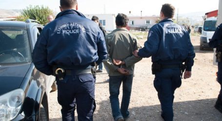 Χειροπέδες σε δύο άτομα στη Μαλεσίνα για παράβαση του νόμου περι όπλων και εκρηκτικών