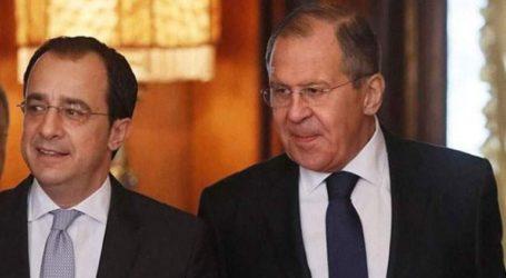 Τετ α τετ Χριστοδουλίδη – Λαβρόφ στη Μόσχα
