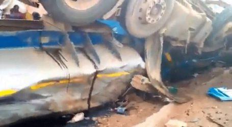 Τουλάχιστον 18 άνθρωποι σκοτώθηκαν όταν βυτιοφόρο συγκρούστηκε με λεωφορείο