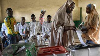 Στις κάλπες οι ψηφοφόροι για τις προεδρικές εκλογές