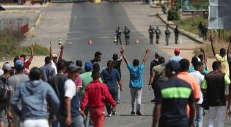 Σε εξέλιξη διαδηλώσεις στα σύνορα Βενεζουέλας-Κολομβίας
