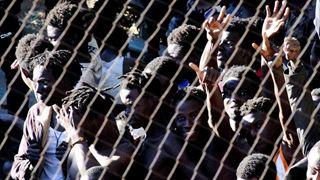 Η Ισπανία θα αυξήσει το ύψος του συνοριακού φράκτη στη Θέουτα