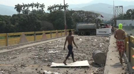 Ζωντανή εικόνα από τα σύνορα Βενεζουέλας-Κολομβίας