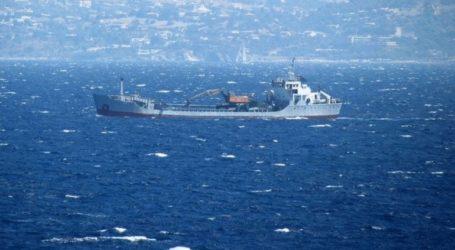Αποκολλήθηκε το πλοίο που προσάραξε σε αμμώδη αβαθή