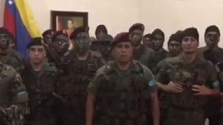 156 στρατιωτικοί και αστυνομικοί λιποτάκτησαν και πέρασαν στην Κολομβία