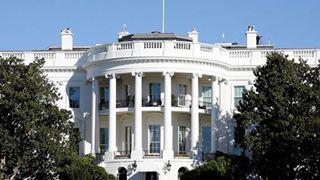 Ο Λευκός Οίκος απορρίπτει τις κατηγορίες 43χρονης που υποστηρίζει πως ο Τραμπ τη φίλησε χωρίς τη θέλησή της