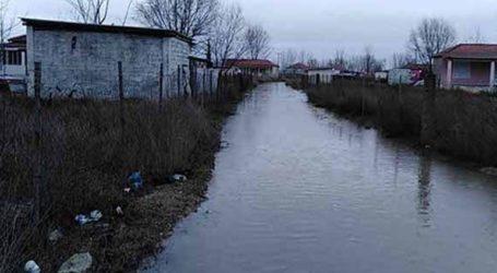 Εκκενώνονται κατοικίες στο Ρέθυμνο λόγω υπερχείλισης ποταμού