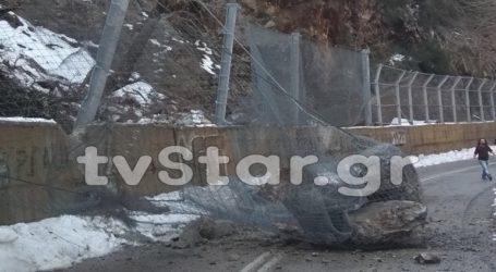 Πτώση βράχων στην Εθνική Οδό Χαλκίδας-Αιδηψού