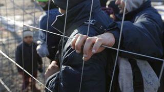 Εκατοντάδες αιτούντες άσυλο απειλούνται με απέλαση