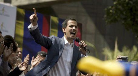 Ο Γκουαϊδό καλεί τους πολίτες να συνεχίσουν τις διαδηλώσεις μέχρι να ανατραπεί ο Μαδούρο