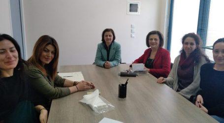 Επίσκεψη Μ. Χρυσοβελώνη στο Συμβουλευτικό Κέντρο Γυναικών Περιστερίου
