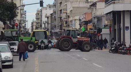 Συλλαλητήριο με τρακτέρ στο κέντρο του Βόλου [εικόνες]