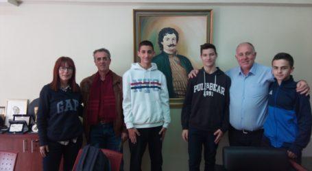 Συνέντευξη Δημάρχου Ρήγα Φεραίου σε μαθητέςτου Γυμνασίου Αγριάς