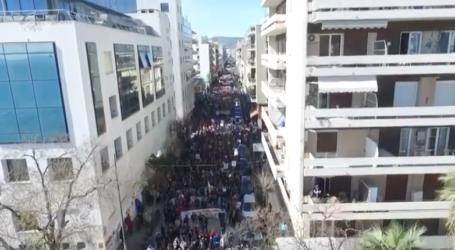 Εναέρια πλάνα από το συλλαλητήριο του Βόλου [βίντεο]
