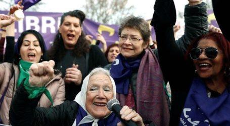 Ογκώδεις διαδηλώσεις σε Μαδρίτη, Βαρκελώνη και Παρίσι για τα δικαιώματα των γυναικών