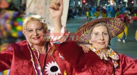 Πάνω από 40.000 καρναβαλιστές ξεχύθηκαν στους κεντρικούς δρόμους της πόλης