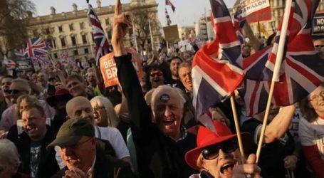 Διαδηλώσεις, πάρτι και… προσευχές για επιφοίτηση στο Λονδίνο μετά την απόρριψη της Συμφωνίας Αποχώρησης