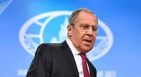 Ο Λαβρόφ εκφράζει την αλληλεγγύη της Μόσχας προς το Καράκας