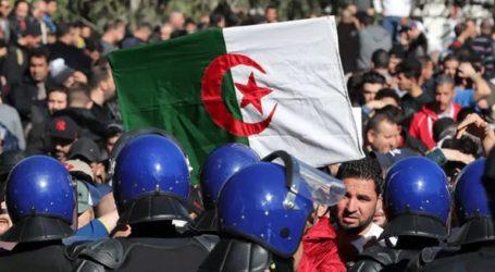 Τουλάχιστον 10 τραυματίες σε συγκρούσεις μεταξύ αστυνομικών και διαδηλωτών