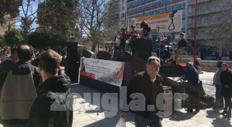 Διαμαρτυρία μετά μουσικής στο Σύνταγμα από εκπαιδευτικούς και μαθητές μουσικών σχολείων