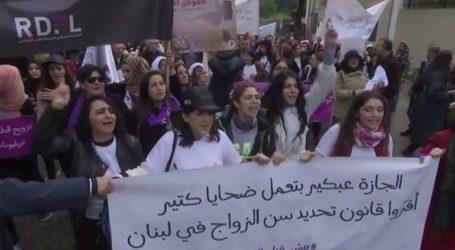 Εκατοντάδες Λιβανέζοι στους δρόμους κατά των γάμων ανηλίκων