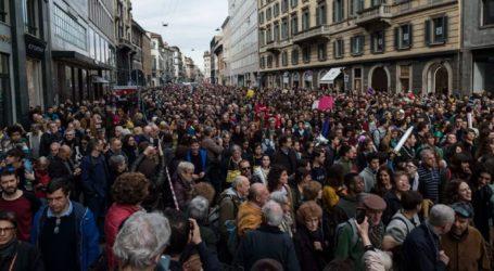 Δεκάδες χιλιάδες άνθρωποι διαδήλωσαν εναντίον του ρατσισμού στο Μιλάνο