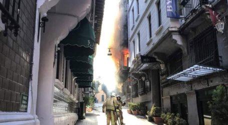 Τέσσερις νεκροί μετά από πυρκαγιά σε πενταώροφο κτήριο στην Κωνσταντινούπολη