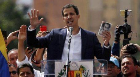 Ο Γκουαϊδό επιστρέφει στη χώρα και καλεί σε διαδηλώσεις
