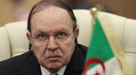 Παρά τις διαδηλώσεις ο Μπουτεφλίκα θέτει υποψηφιότητα για τις προεδρικές εκλογές