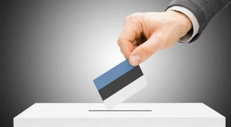 Η κεντροδεξιά κερδίζει τις εκλογές, η ακροδεξιά διπλασιάζει το ποσοστό της