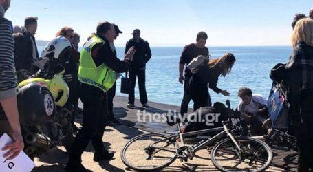 Ηλικιωμένος έπεσε στα νερά του Θερμαϊκού-Δύο πολίτες τον ανέσυραν από τη θάλασσα